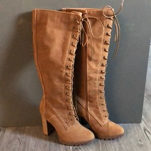 Shoe dazzle high boots
